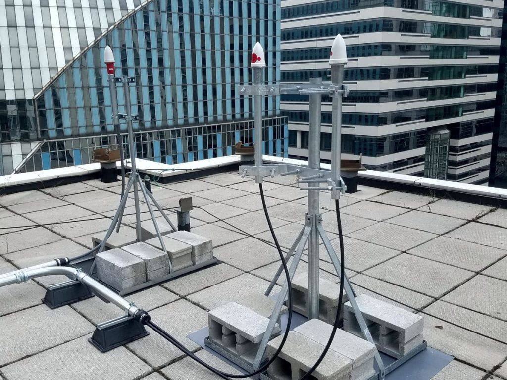 DAS (Distributed Antenna Systems)